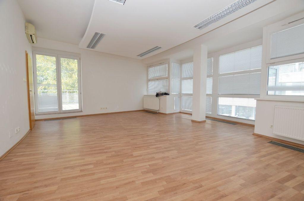 Kancelárie, administratívne priestory 14m2, čiastočná rekonštrukcia