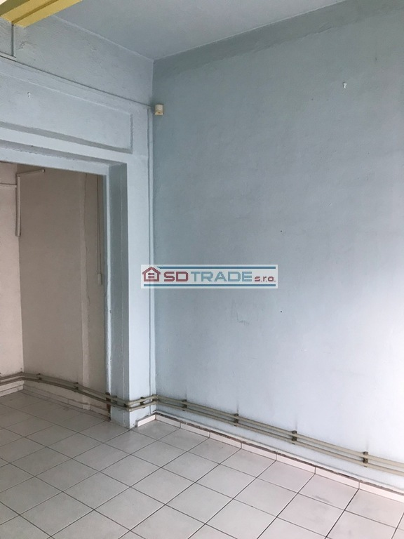 Kancelárie, administratívne priestory 27m2, čiastočná rekonštrukcia