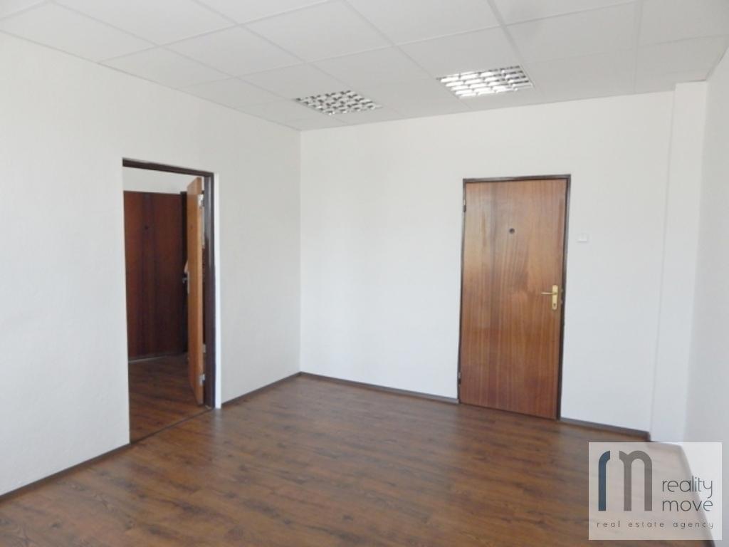 Kancelárie, administratívne priestory 34m2, čiastočná rekonštrukcia