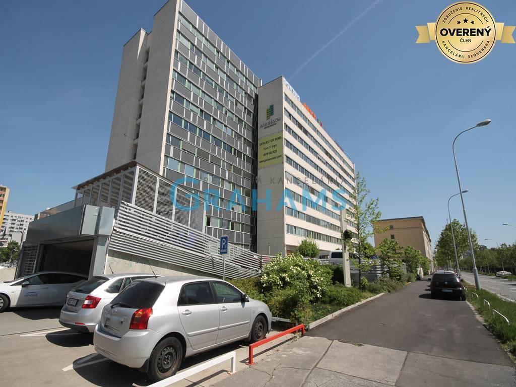 Kancelárie, administratívne priestory 1000m2, kompletná rekonštrukcia