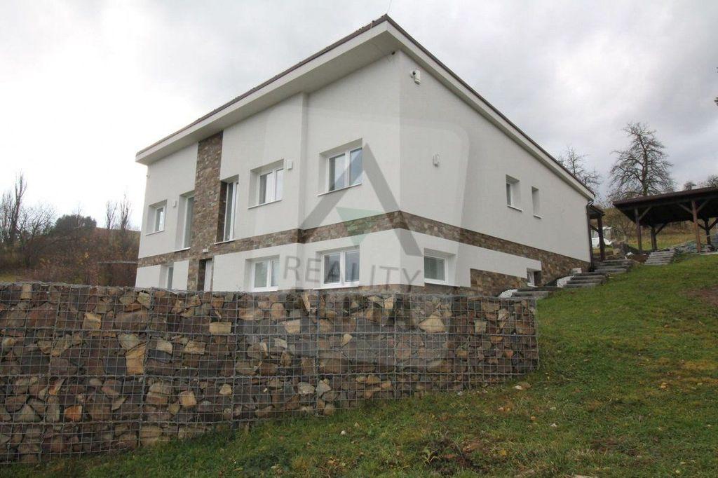 Rodinný dom 1387m2, kompletná rekonštrukcia