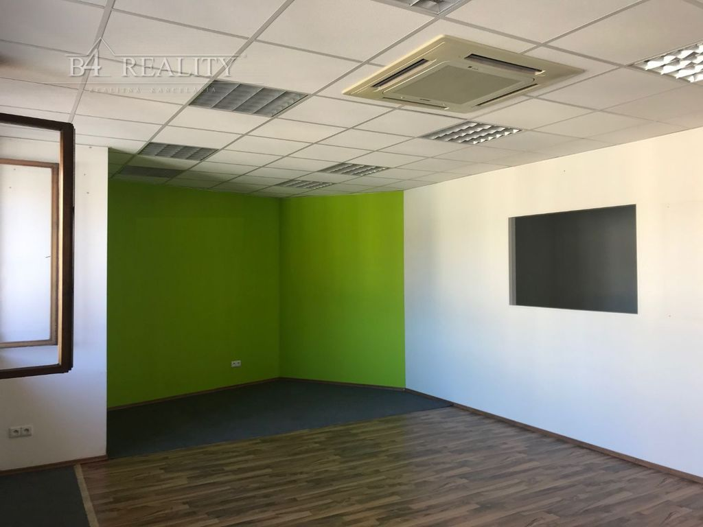 Kancelárie, administratívne priestory 58m2, čiastočná rekonštrukcia